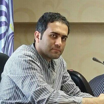 وحید احمدزاده